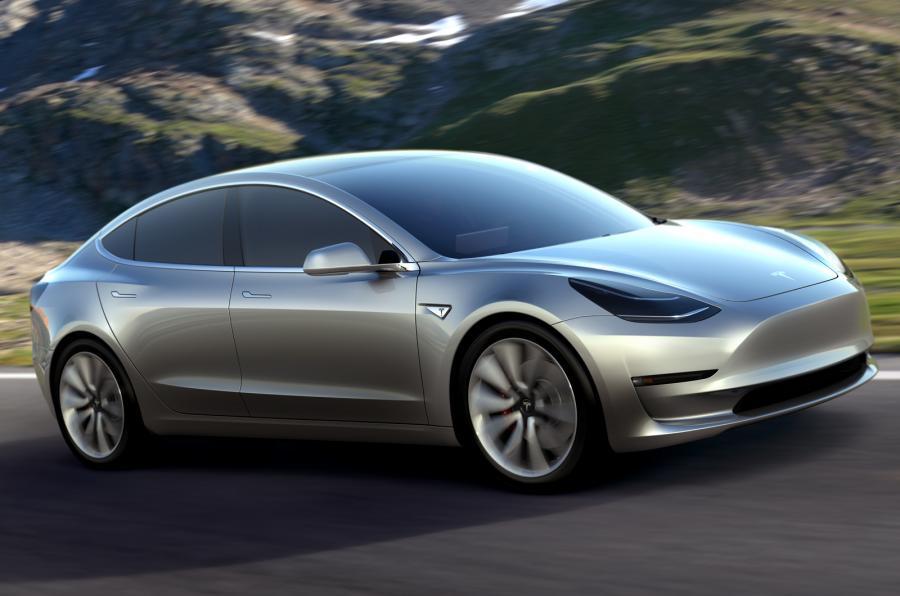 Tesla Model 3 Görücüye Çıktı