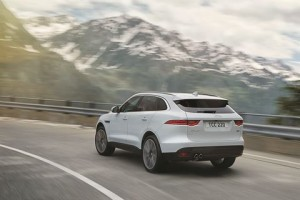 F-pace carviser4